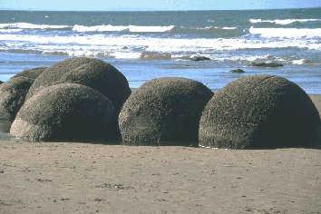 Coasts moeraki boulders don hadden haddenihug copyright publicscrutiny Choice Image